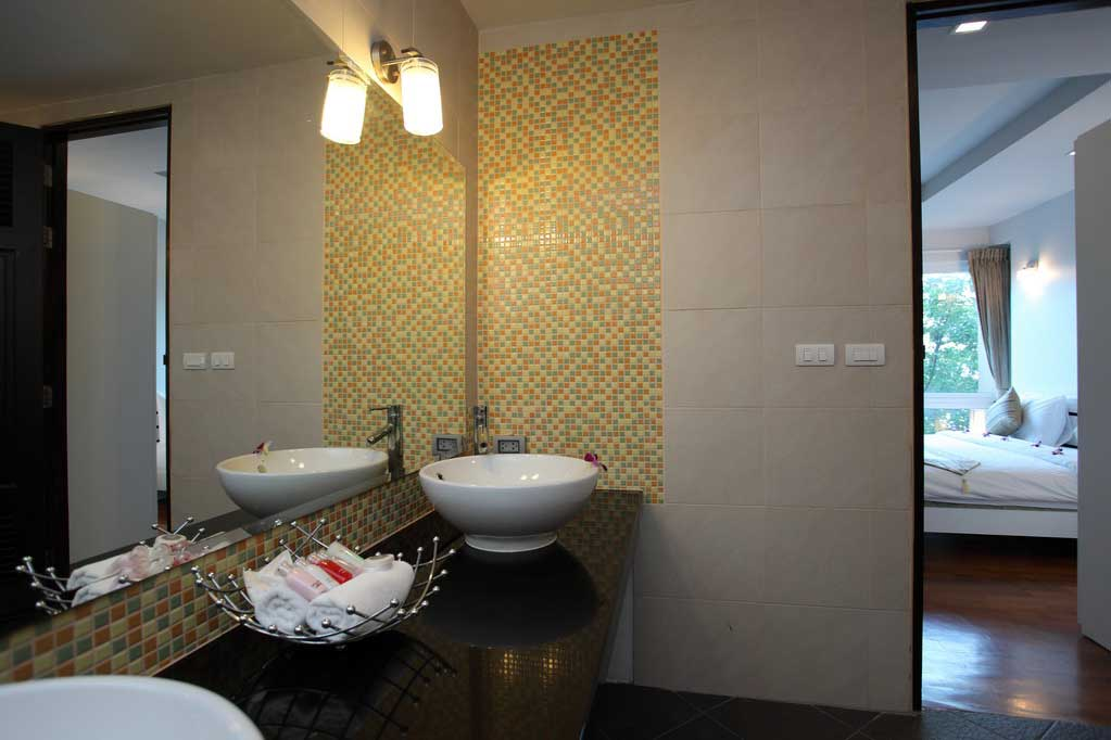 This 2 bedroom / 2 bathroom Apartment for sale is located in Patong on Phuket