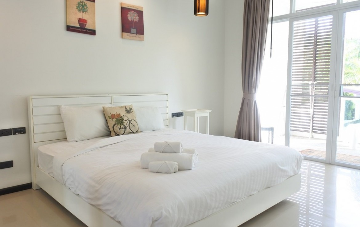 3 bedroom / 3 bathroom Apartment in Bangtao is for sale, or re-sale.