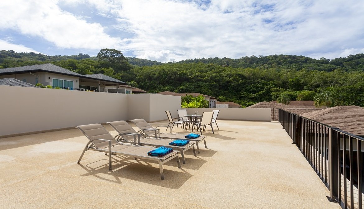 This 5 bedroom / 4 bathroom Villa for sale is located in Nai Harn on Phuket