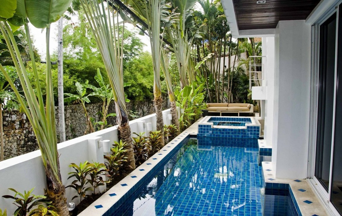 4 bedroom / 5 bathroom Villa in Patong is available for sale, or re-sale.