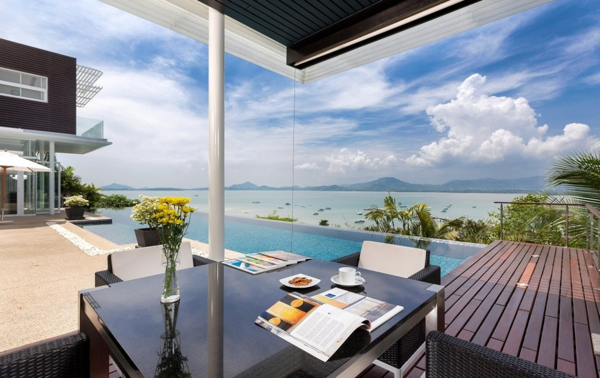 This 4 bedroom / 4 bathroom Villa for sale is located in Cape Yamu on Phuket
