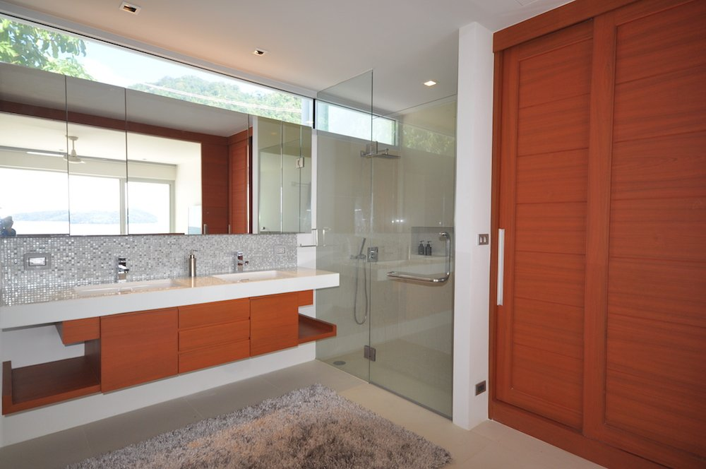 3 bedroom / 3 bathroom Villa in Patong is on the market for sale, or re-sale.