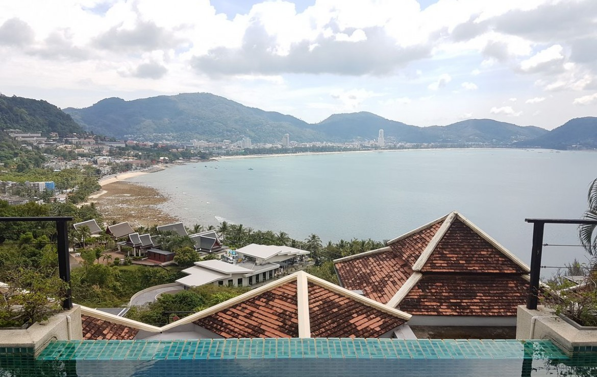 4 bedroom / 3 bathroom Villa in Patong is for sale, or re-sale.