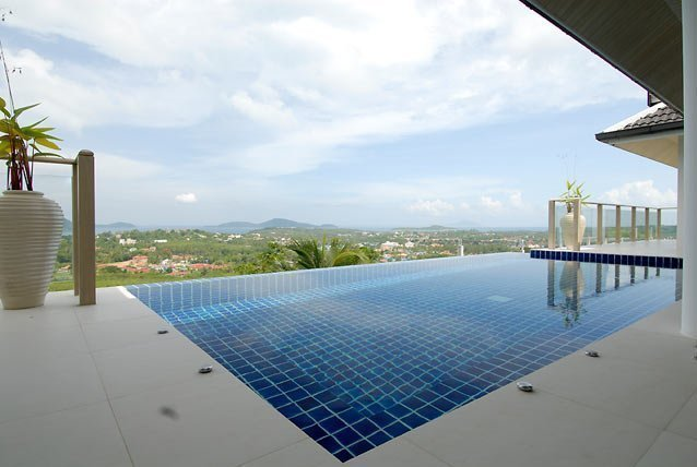 This 3 bedroom / 3 bathroom Villa for sale is located in Thalang on Phuket