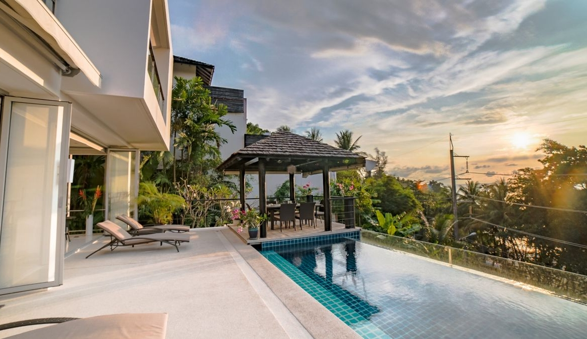 This 4 bedroom / 4 bathroom Villa for sale is located in Surin Beach on Phuket