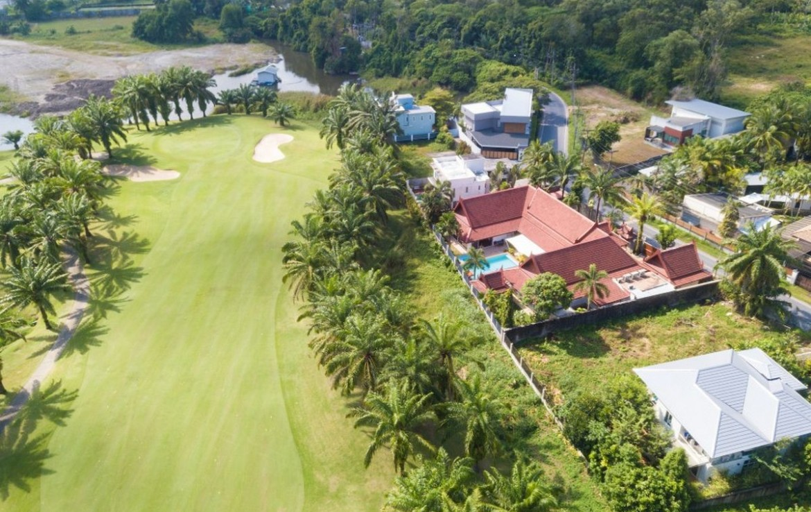 This 4 bedroom / 3 bathroom Villa for sale is located in Kathu on Phuket