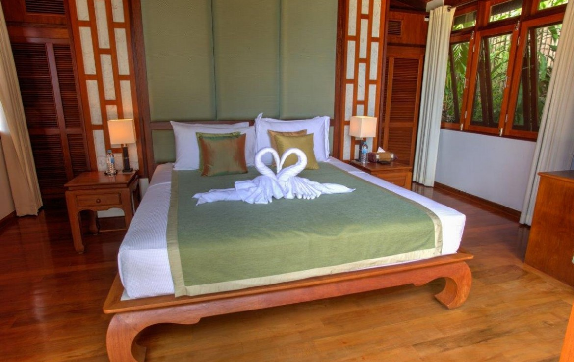 5 bedroom / 5 bathroom Villa in Surin Beach is available for sale, or re-sale.